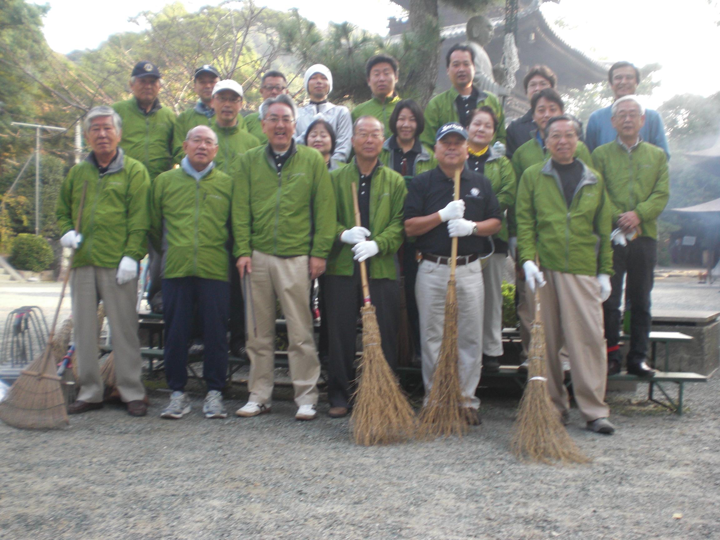 石手寺清掃2011.10.8.JPG